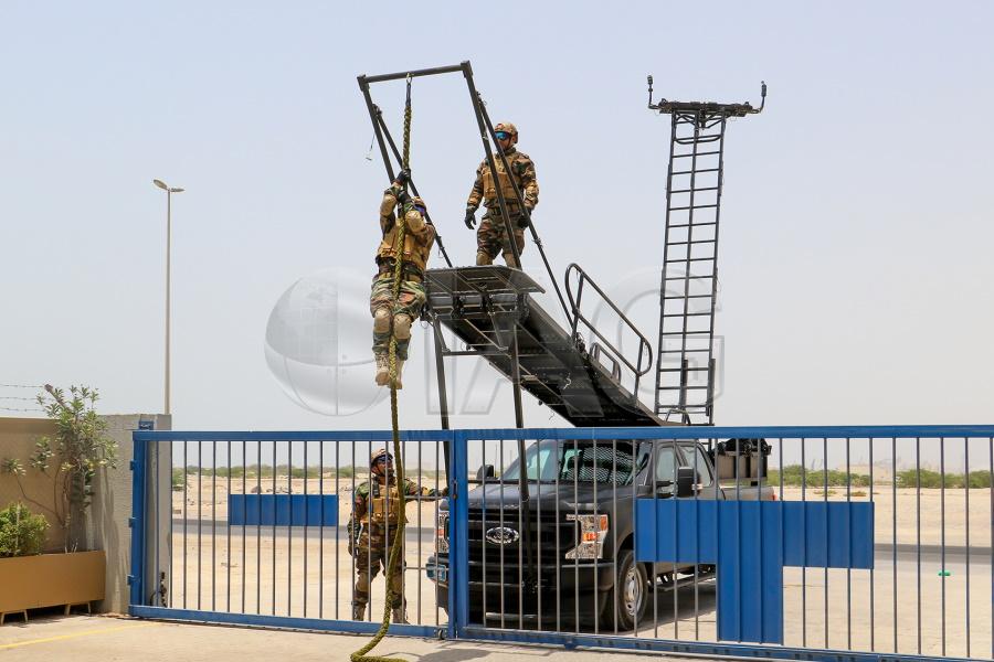 f350 ladder system deployment